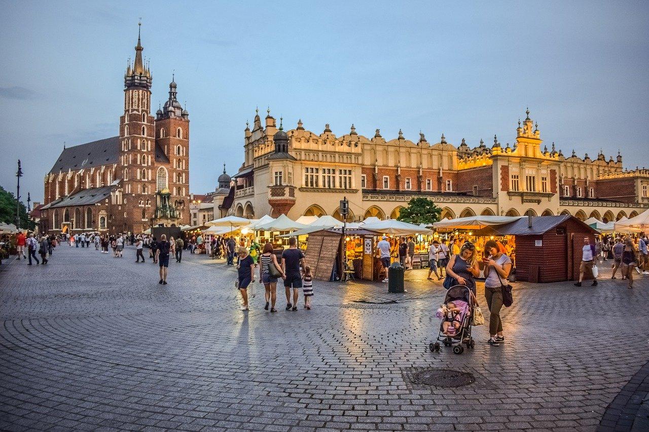 Kraków w kilka dni. Co zwiedzić ? Ile trwa podróż z Zakopanego?
