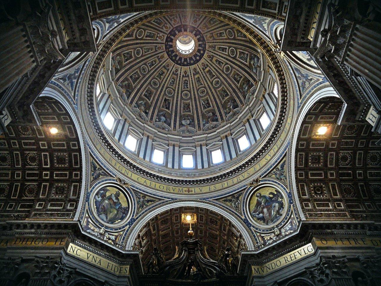 Wiele skarbów w małym kraju, czyli o Watykanie.